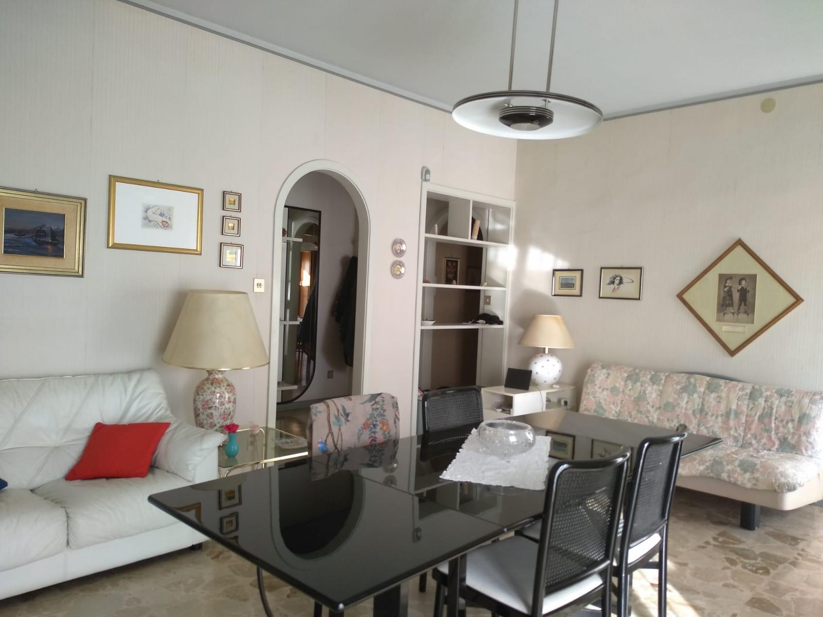 Appartamento 4 vani  San Giovanni La Punta Trappeto  Via Carmelitani