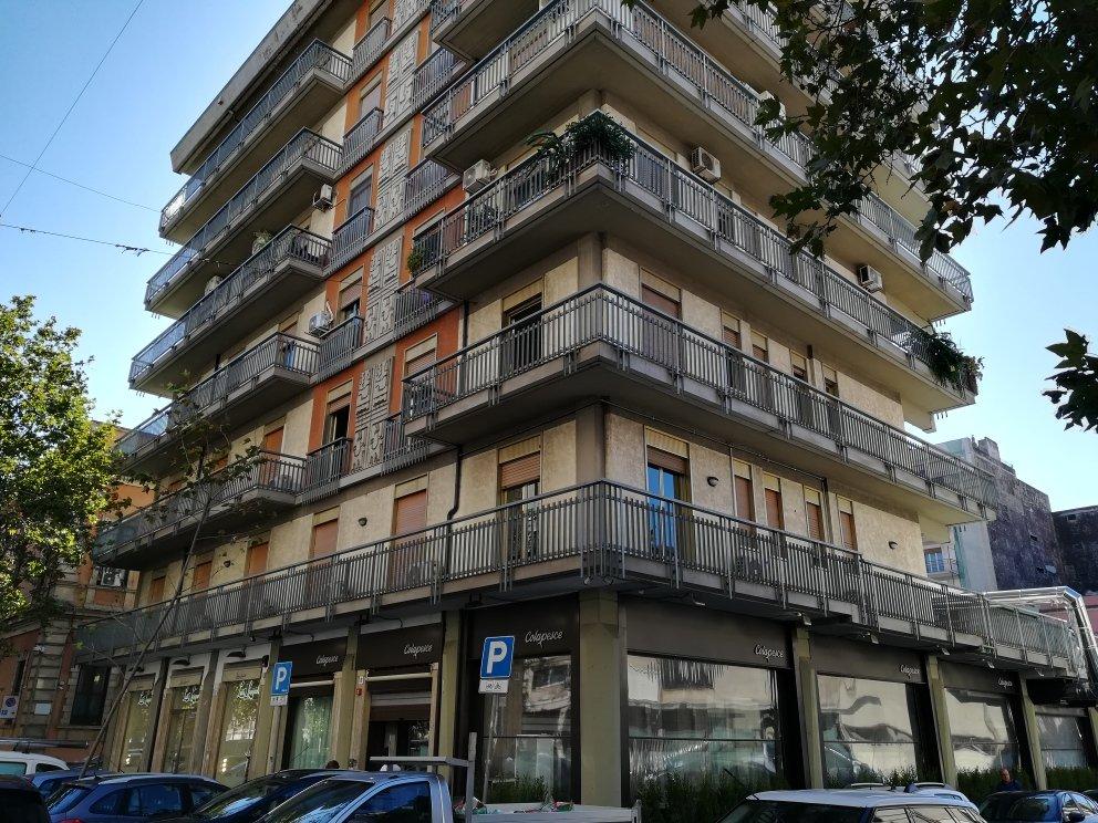 Appartamento   angolare Viale XX Settembre Via Aloi Catania